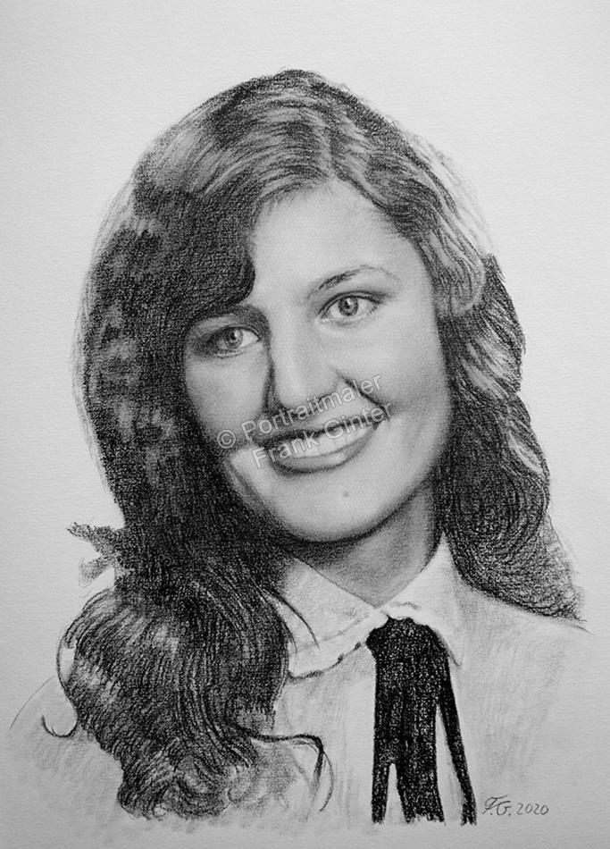 Zeichnungen vom Foto, Portraitzeichnung von Fotos, Portrait zeichnen lassen, Portraits vom Foto mit Bleistift, Bleistiftzeichnung Frau