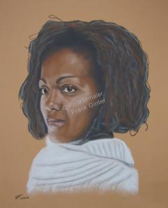Handgemalte Bilder, Portraitmalerei, Bilder malen lassen, Portraitmaler, Pastellgemälde schwarze Frau, Pastellmalerei